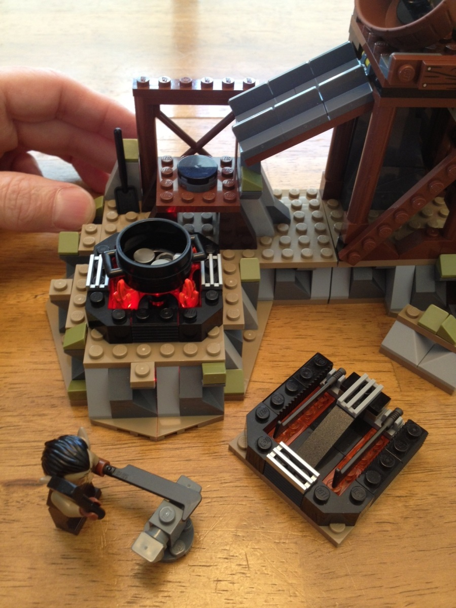 Lego Lord Of The Rings Orc Forge 9476 Brick Radar